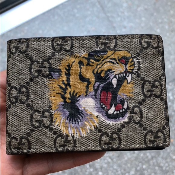 3fe360aacf3 Gucci Handbags - GUCCI TIGER PRINT SUPREME WALLET